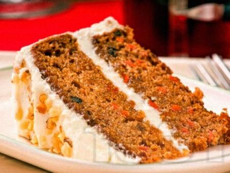 Портокалова морковена торта с бадеми и желиран сметанов крем - снимка на рецептата